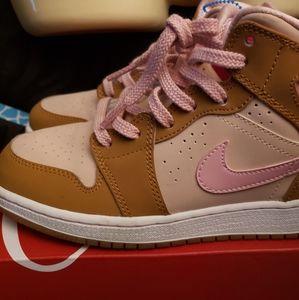 Nike Girls LOLA bunny Air Jordan 1 4.5 EUC